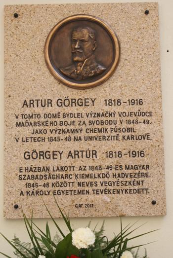 2012. Görgey Artúr emléktáblát kapott Prágában