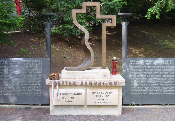 Esterházy Jánosra emlékeztek a csehországi magyarok Prágában