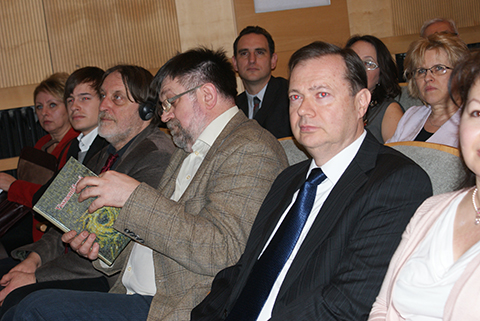 Színes ünnepi találkozóval emlékeztek meg a február 20-án Prágában a Cseh- és Morvaországi Magyarok Szövetsége (CSMMSZ) megalakulásának 25. évfordulójáról. Az ünnepségen felszólalt Pető Tibor nagyköve